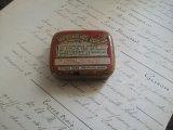 アンティーク Tin缶「BLACKOIDS BROWN」